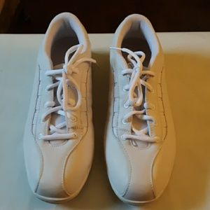 Easy Spirit sneakers. 8.5